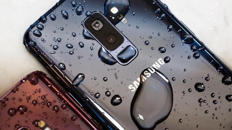 Are Waterproof Phones Really Waterproof? - World of Fashion & Technology